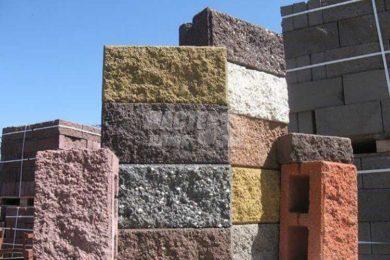 Декоративный блок и кирпич